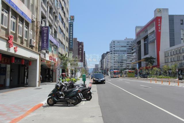 南京東路四段