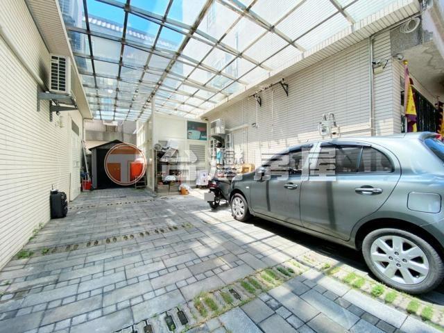 十期社區型雙車別墅
